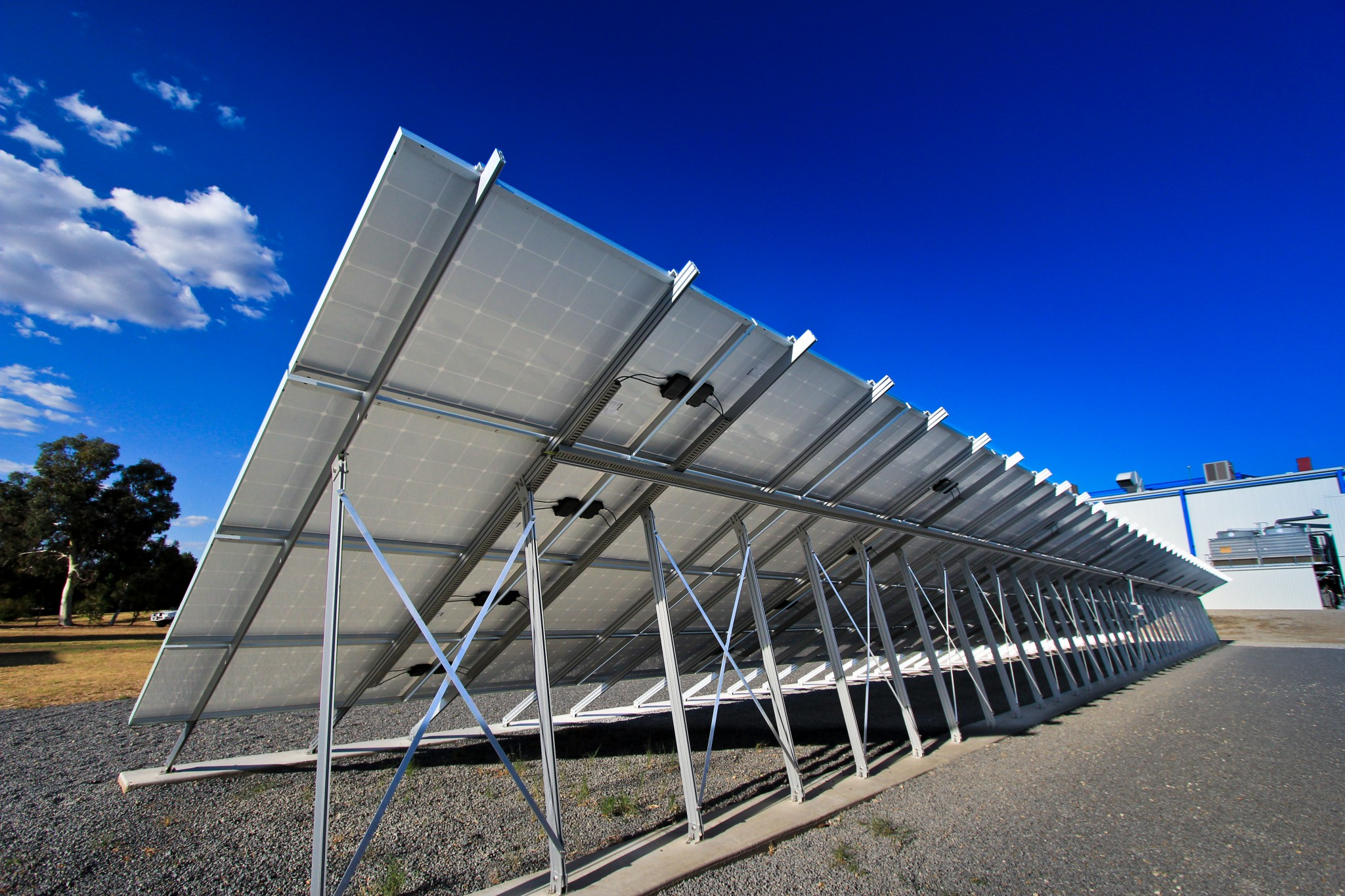 free-standing-solar-power-systems-2-glynncorp-electrical