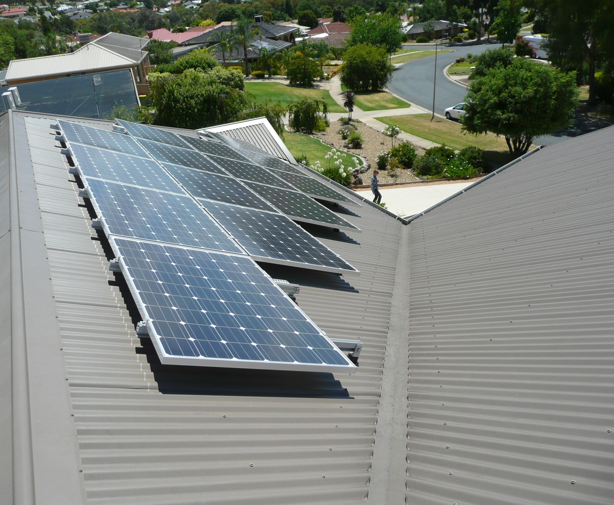 roof-mounted-tilt-solar-power-systems-2-glynncorp-electrical